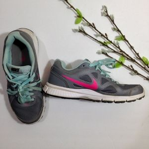 Women's NIKE Gray Pink Blue Roshe Sneakers Size 7